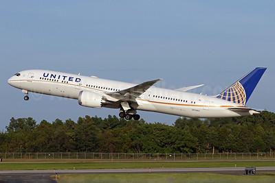 United Airlines Boeing 787-9 Dreamliner N27964 (msn 37813) IAD (Brian McDonough). Image: 939539.