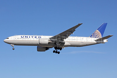 United Airlines Boeing 777-222 ER N799UA (msn 26926) LAX (Michael B. Ing). Image: 908964.
