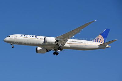 United Airlines Boeing 787-9 Dreamliner N29968 (msn 60141) LAX (Jay Selman). Image: 403660.