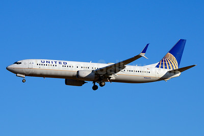 United Airlines Boeing 737-924 ER SSWL N36472 (msn 31653) LAX (Jay Selman). Image: 403654.