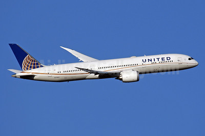 United Airlines Boeing 787-9 Dreamliner N17963 (msn 37812) LHR (SPA). Image: 942824.