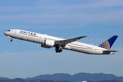 United's first 787-10, delivered on November 5, 2018