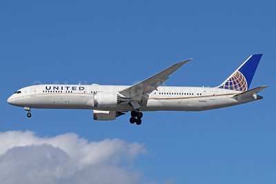 United Airlines Boeing 787-9 Dreamliner N26966 (msn 60143) LAX (Michael B. Ing). Image: 937554.
