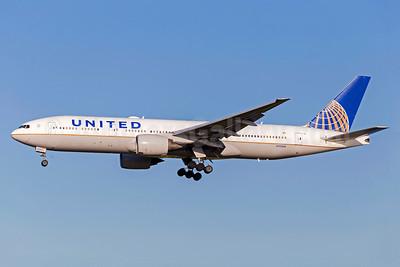 United Airlines Boeing 777-222 ER N782UA (msn 26948) FCO (Stafan Sjogren). Image: 938741.