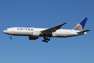 United Airlines Boeing 777-222 N777UA (msn 26916) LAX (Michael B. Ing). Image: 946228.