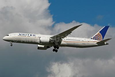 United Airlines Boeing 787-9 Dreamliner N26960 (msn 36408) LHR (SPA). Image: 937331.