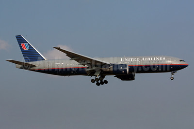 United Airlines Boeing 777-222 ER N225UA (msn 30554) NRT (Michael B. Ing). Image: 901769.