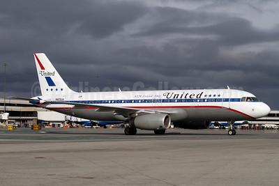United Airlines Airbus A320-232 N475UA (msn 1495) (A320 Friend Ship - 1972 Retrojet) SFO (Mark Durbin). Image: 906354.
