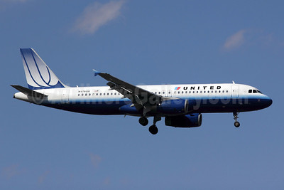 United Airlines Airbus A320-232 N476UA (msn 1508) ORD (Michael B. Ing). Image: 908008.