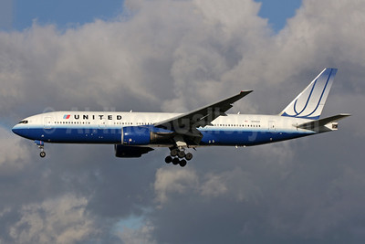 United Airlines Boeing 777-222 ER N785UA (msn 26954) LHR (Antony J. Best). Image: 945920.