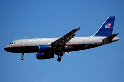 United Airlines Airbus A319-131 N806UA (msn 788) IAD (Bruce Drum). Image: 101655.