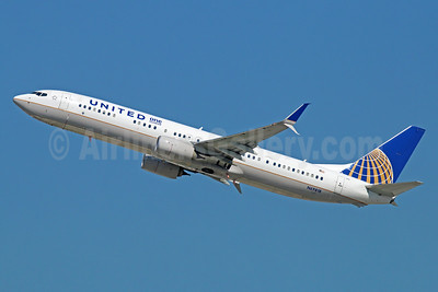 United Airlines Boeing 737-924 ER SSWL N69818 (msn 42177) (One Hundred) LAX (Michael B. Ing). Image: 934434.