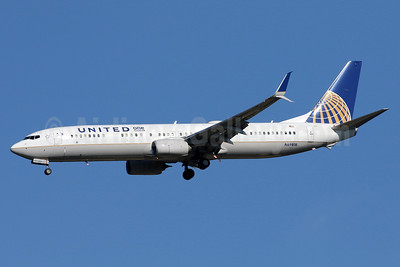 United Airlines Boeing 737-924 ER SSWL N69818 (msn 42177) (One Hundred) IAD (Brian McDonough). Image: 934433.