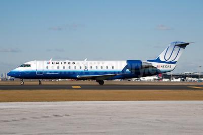 United Express-Atlantic Southeast Airlines Bombardier CRJ200 (CL-600-2B19) N832AS (msn 7243) LGA (Fred Freketic). Image: 950046.