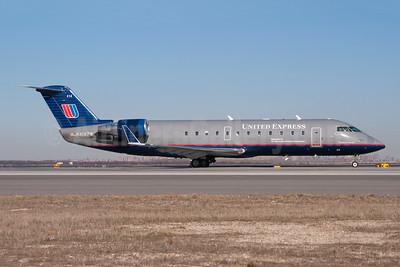 United Express-Air Wisconsin Bombardier CRJ200 (CL-600-2B19) N414ZW (msn 7586) LGA (Fred Freketic). Image: 950043.