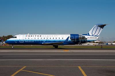 United Express-Air Wisconsin Bombardier CRJ200 (CL-600-2B19) N445AW (msn 7804) LGA (Fred Freketic). Image: 950044.