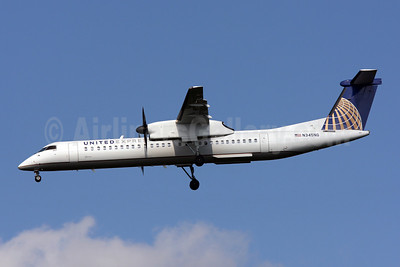 United Express-Colgan Air (2nd) Bombardier DHC-8-402 (Q400) N345NG (msn 4345) IAD (Brian McDonough). Image: 906740.