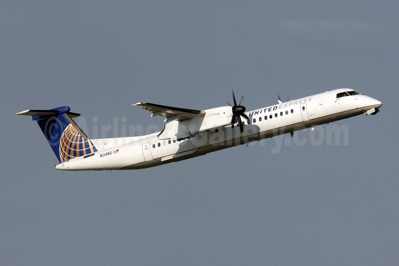 United Express-Colgan Air (2nd) Bombardier DHC-8-402 (Q400) N34NG (msn 4340) IAD (Brian McDonough). Image: 908465.