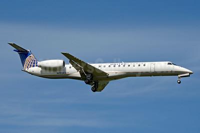 United Express-ExpressJet Airlines Embraer ERJ 145LR (EMB-145LR) N12563 (msn 145612) CLT (Jay Selman). Image: 403827.