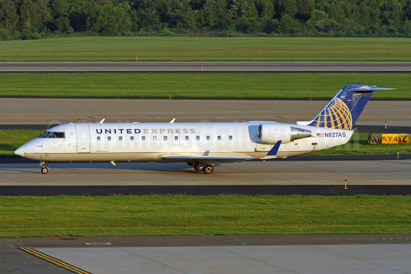 United Express-ExpressJet Airlines Bombardier CRJ200 (CL-600-2B19) N827AS (msn 7212) IAD (Brian McDonough). Image: 921057.