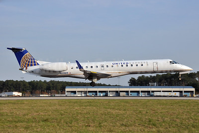 United Express-ExpressJet Airlines Embraer ERJ 145XR (EMB-145XR) N11109 (msn 145657) RDU (Ken Petersen). Image: 929519.
