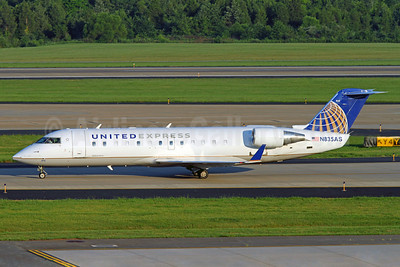 United Express-ExpressJet Airlines Bombardier CRJ200 (CL-600-2B19) N835AS (msn 7258) IAD (Brian McDonough). Image: 921057.