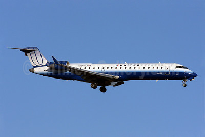 United Express-GoJet Airlines Bombardier CRJ700 (CL-600-2C10) N157GJ (msn 10230) IAD (Brian McDonough). Image: 904045.