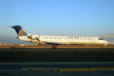 United Express-GoJet Airlines Bombardier CRJ700 (CL-600-2C10) N156GJ (msn 10227) YYZ (TMK Photography). Image: 907785.