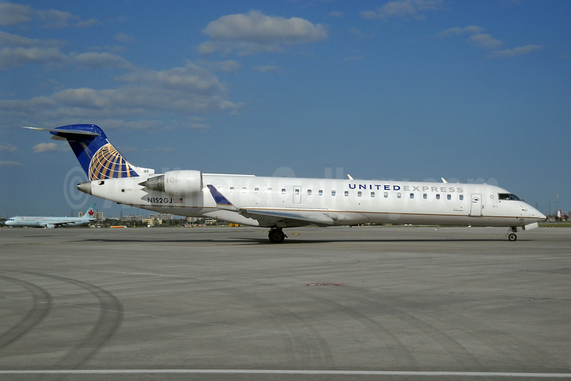 United Express-GoJet Airlines Bombardier CRJ700 (CL-600-2C10) N152GJ (msn 10218) YYZ (TMK Photography). Image: 923870.