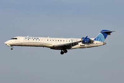United Express-GoJet Airlines Bombardier CRJ550 (CL-600-2C10) N511GJ (msn 10128) BWI (Tony Storck). Image: 954539.