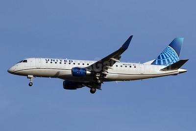 United Express-Mesa Airlines Embraer ERJ 170-200LR (ERJ 175) N87365 (msn 17000859) IAD (Brian McDonough). Image: 952613.