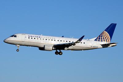 United Express-Mesa Airlines Embraer ERJ 170-200LR (ERJ 175) N88328 (msn 17000480) CLT (Jay Selman). Image: 403611.