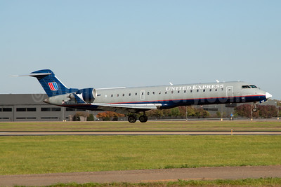 United Express-Mesa Airlines Bombardier CRJ700 (CL-600-2C10) N510MJ (msn 10101) JFK (Fred Freketic). Image: 950057.
