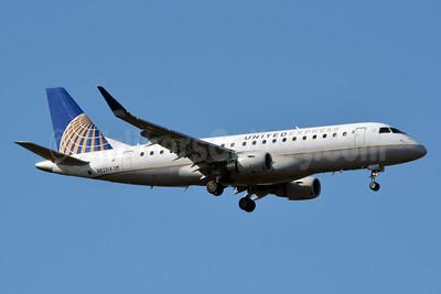 United Express-Mesa Airlines Embraer ERJ 170-200LR (ERJ 175) N82314 (msn 17000436) CLT (Jay Selman). Image: 403606.