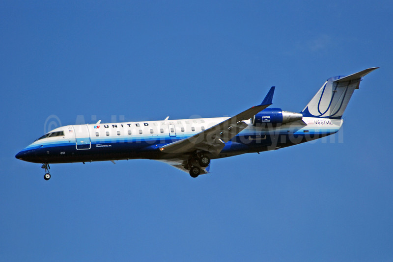 United Express-Mesa Airlines Bombardier CRJ200 (CL-600-2B19) N651ML (msn 7139) IAD (Bruce Drum). Image: 100845.