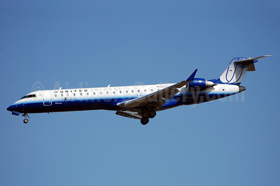 United Express-Mesa Airlines Bombardier CRJ700 (CL-600-2C10) N522LR (msn 10262) IAD (Bruce Drum). Image: 100848.
