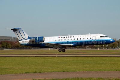 United Express-Mesa Airlines Bombardier CRJ200 (CL-600-2B19) N17156 (msn 7156) JFK (Fred Freketic). Image: 950054.