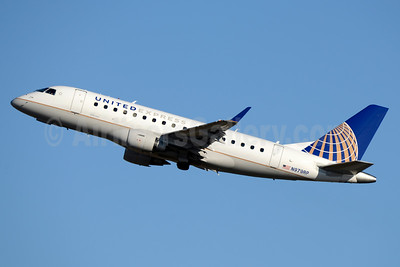 United Express-Republic Airlines (2nd) Embraer ERJ 170-100SE N979RP (msn 17000088) CLT (Jay Selman). Image: 403274.