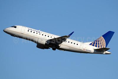 United Express-Republic Airlines (2nd) Embraer ERJ 170-100SE N979RP (msn 17000088) CLT (Jay Selman). Image: 403274.