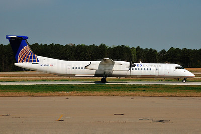 United Express-Republic Airlines (2nd) Bombardier DHC-8-402 (Q400) N332NG (msn 4332) RDU (Ken Petersen). Image: 911787.