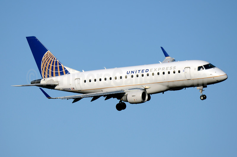 United Express-Republic Airline Embraer ERJ 170-100SE N855RW (msn 17000077) DCA (Jay Selman). Image: 403825.