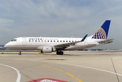 United Express-Shuttle America Embraer ERJ 170-100SE N639RW (msn 17000057) ORD (Ton Jochems). Image: 924713.
