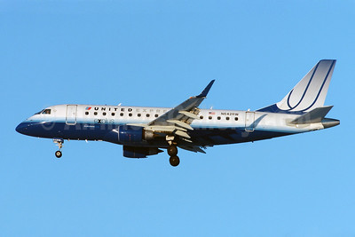 United Express-Shuttle America Embraer ERJ 170-100SE N642RW (msn 17000063) YYZ (TMK Photography). Image: 904514.