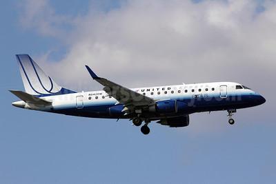 United Express-Shuttle America Embraer ERJ 170-100SE N642RW (msn 17000063) ORD (Michael B. Ing). Image: 907639.