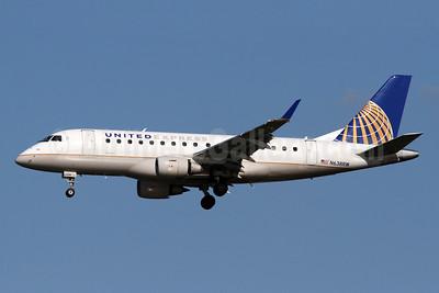 United Express-Shuttle America Embraer ERJ 170-100SE N638RW (msn 17000053) DCA (Brian McDonough). Image: 920821.