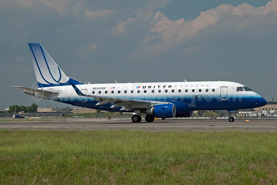 United Express-Shuttle America Embraer ERJ 170-100SE N640RW (msn 17000058) JFK (Fred Freketic). Image: 950058.
