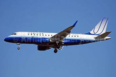 United Express-Shuttle America Embraer ERJ 170-100SE N636RW (msn 17000052) IAD (Bruce Drum). Image: 100849.