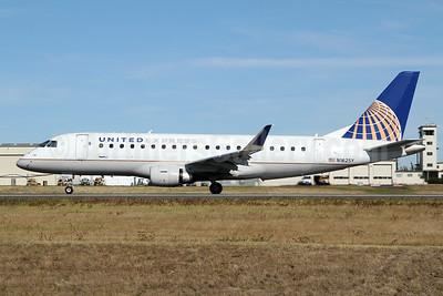 United Express-SkyWest Airlines Embraer ERJ 170-200LR (ERJ 175) N162SY (msn 17000576) PAE (Nick Dean). Image: 948141.