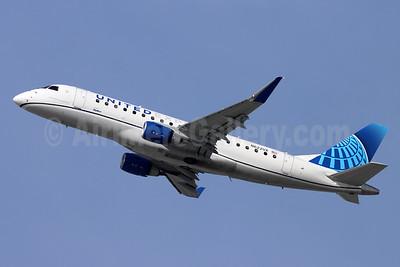 United Express-SkyWest Airlines Embraer ERJ 170-200LL (ERJ 175) N622UX (msn 17000826) LAX (Michael B. Ing). Image: 953463.