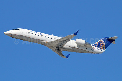 United Express-SkyWest Airlines Bombardier CRJ200 (CL-600-2B19) N908SW (msn 7540) LAX (Michael B. Ing). Image: 936119.